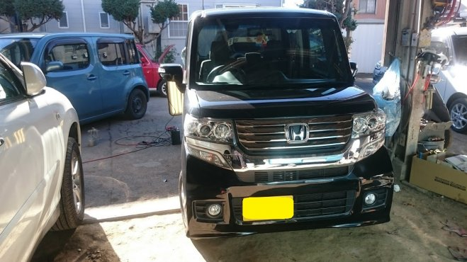 ホンダンN-BOXのドアに出来たヘコミをデントリペアで修理 東京都練馬区