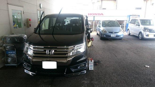 ホンダステップワゴンのドアに出来たヘコミをデントリペアで修理 東京都文京区