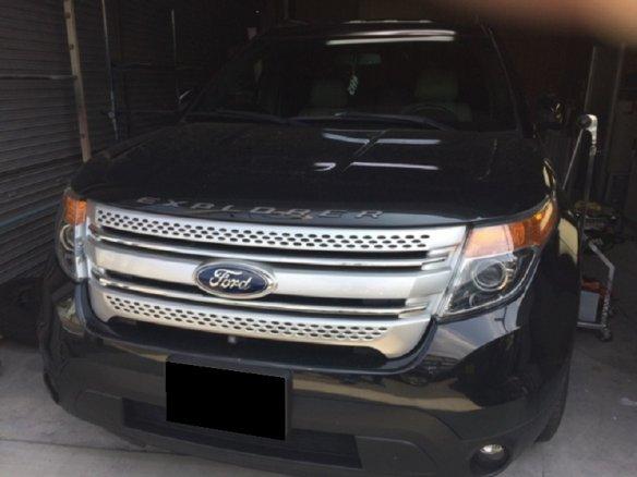 群馬県伊勢崎市にて、フォードエクスプローラーの凹みをデントリペアで修理
